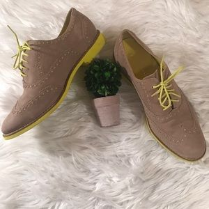 Cole Haan Sz 7 1/2 Taupe Neon Yellow Alisa Oxfords